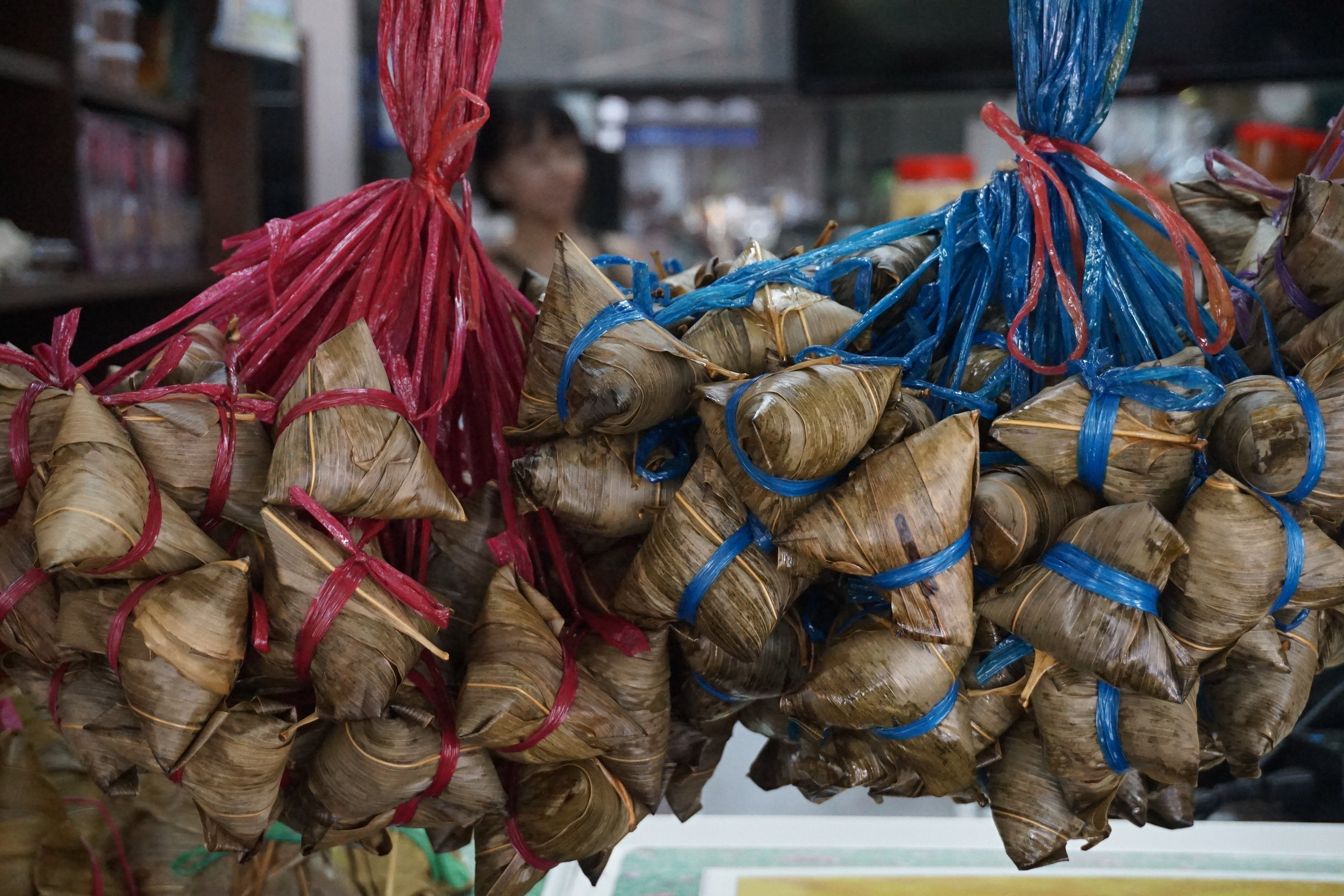 taste a delicious Bak Chang on a Singapore food tour