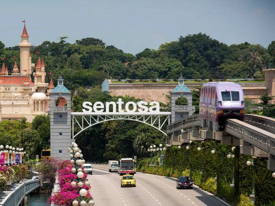 Take the train to Sentosa on singapore excursions !
