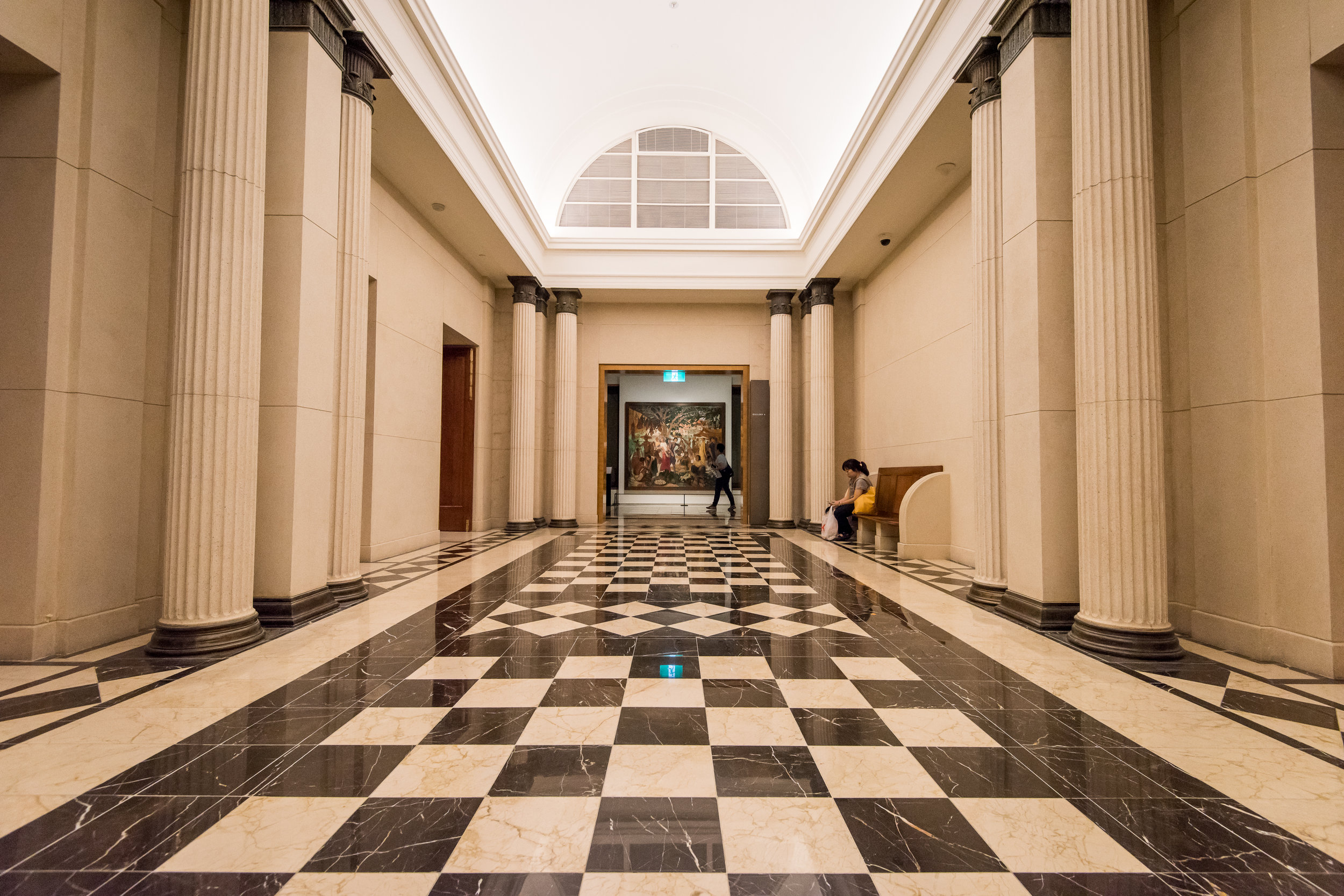 you learn about the national gallery on your singapore sightseeing tour