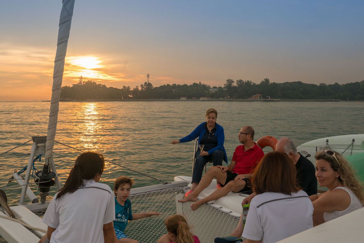 hello-singapore-sunset-river-cruise-11.jpg