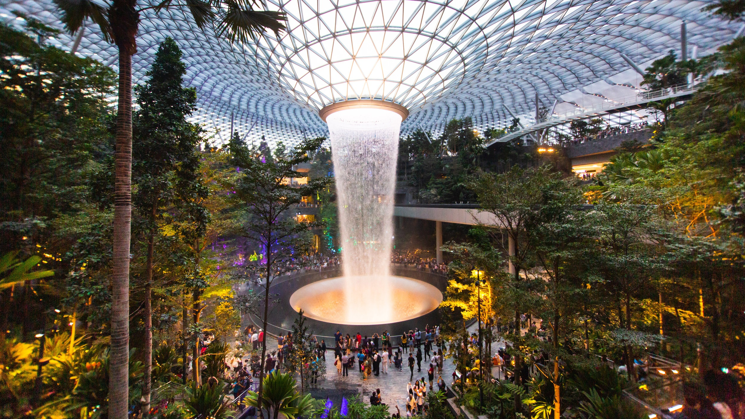 Start a Singapore city tour from airport and experience various Singapore activities.