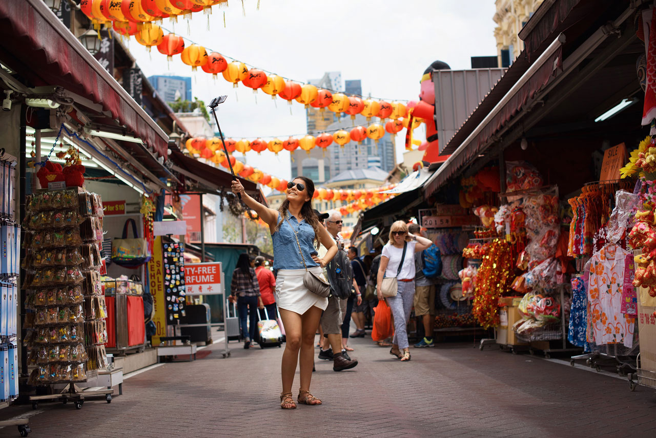 Take the best selfies on a Singapore city tour
