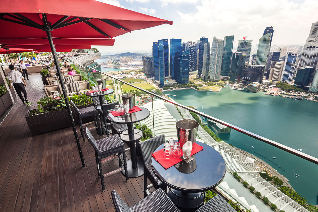 Things to do in Singapore enjoy the amazing view on civic district