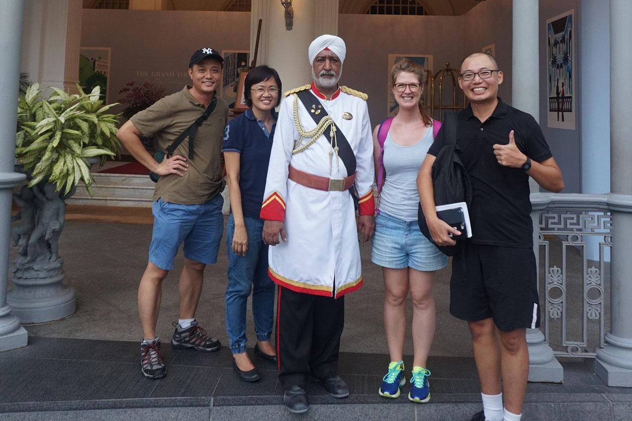 hello-singapore-tours-team-7.jpg