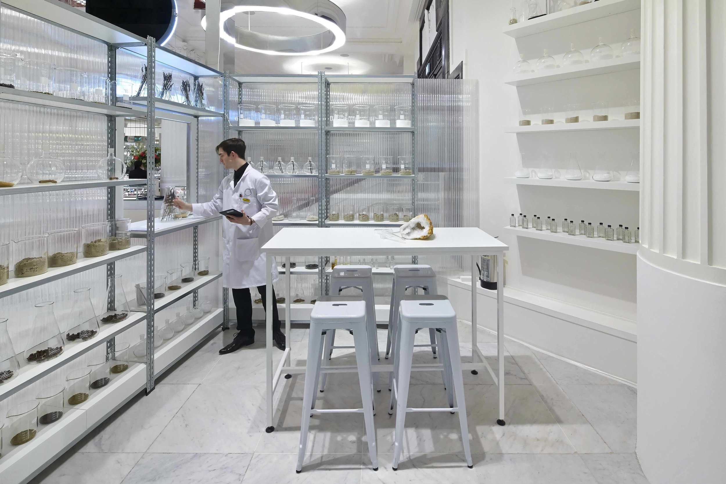 Fragrance Lab4.jpg
