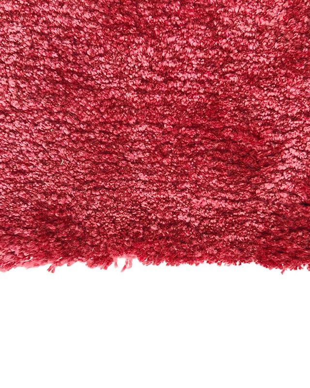 Study of Pink.  Object Carpet - 2504 Amaryllis  Such a luscious carpet, I love how thick the pile is. It feels creating running my hand along it. • • • • • • • #design #interiordesign #setdesign #architecture #colourscheme #pink #green #materiallibrary #materialboard