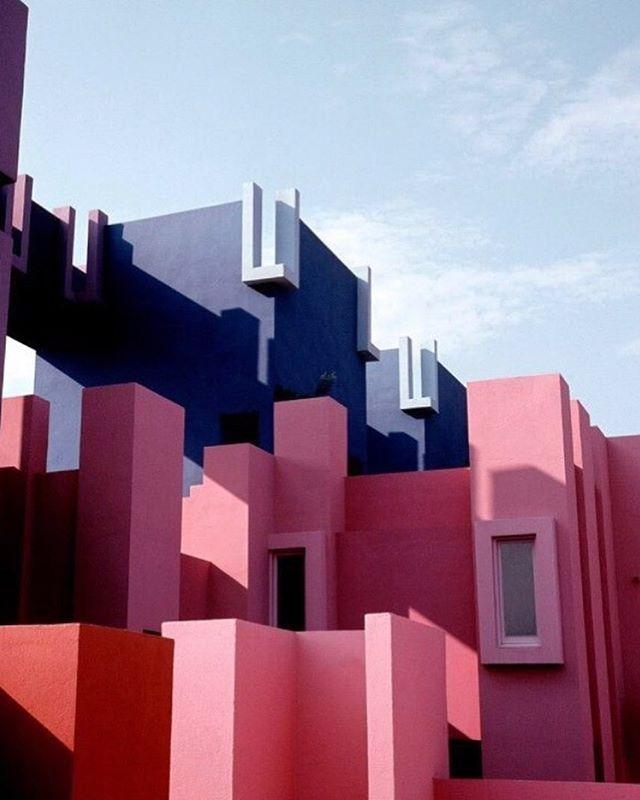 Shades of Blush. Study of Pink.  La Muralla Roja by Ricardo Bofill. • • • • • • • #design #interiordesign #setdesign #architecture #colourscheme #pink #materiallibrary #materialboard #lamuralla #ricardobofill