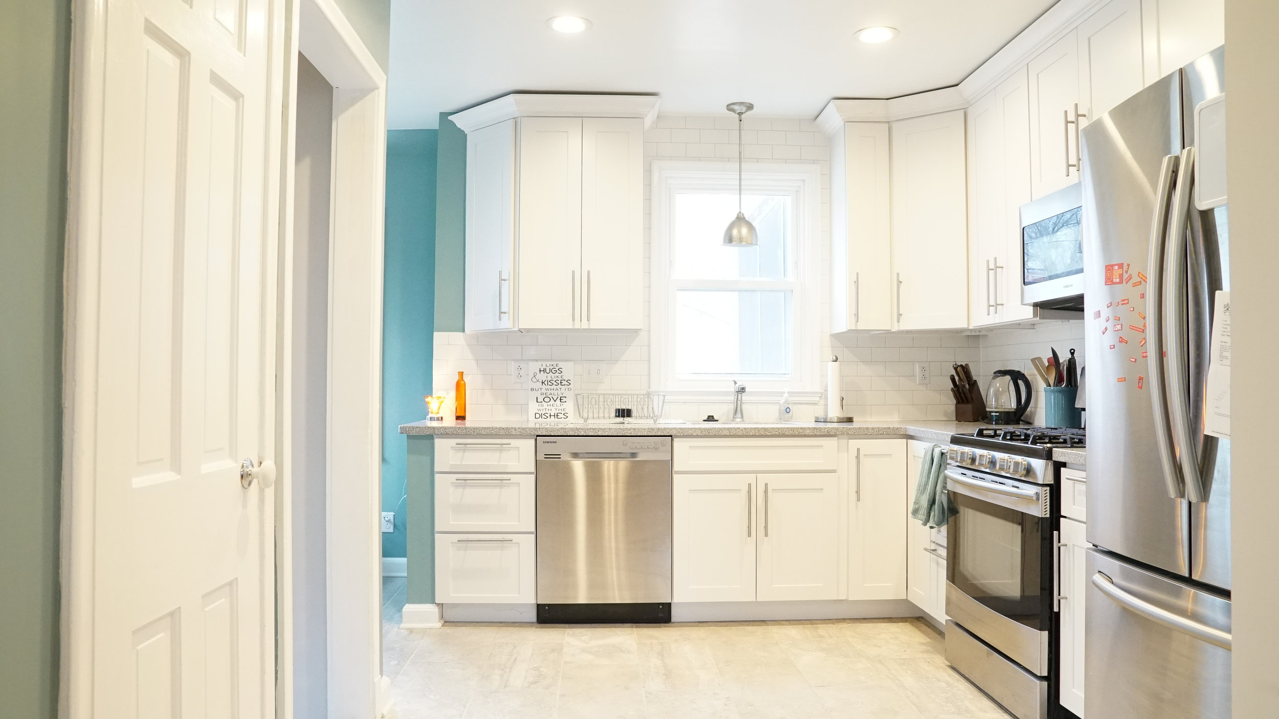 Clean White Kitchen - Realestate Photography