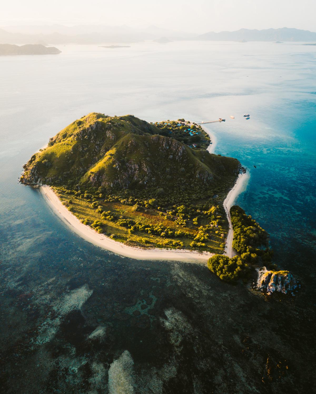 kanawa island komodo islands.jpg