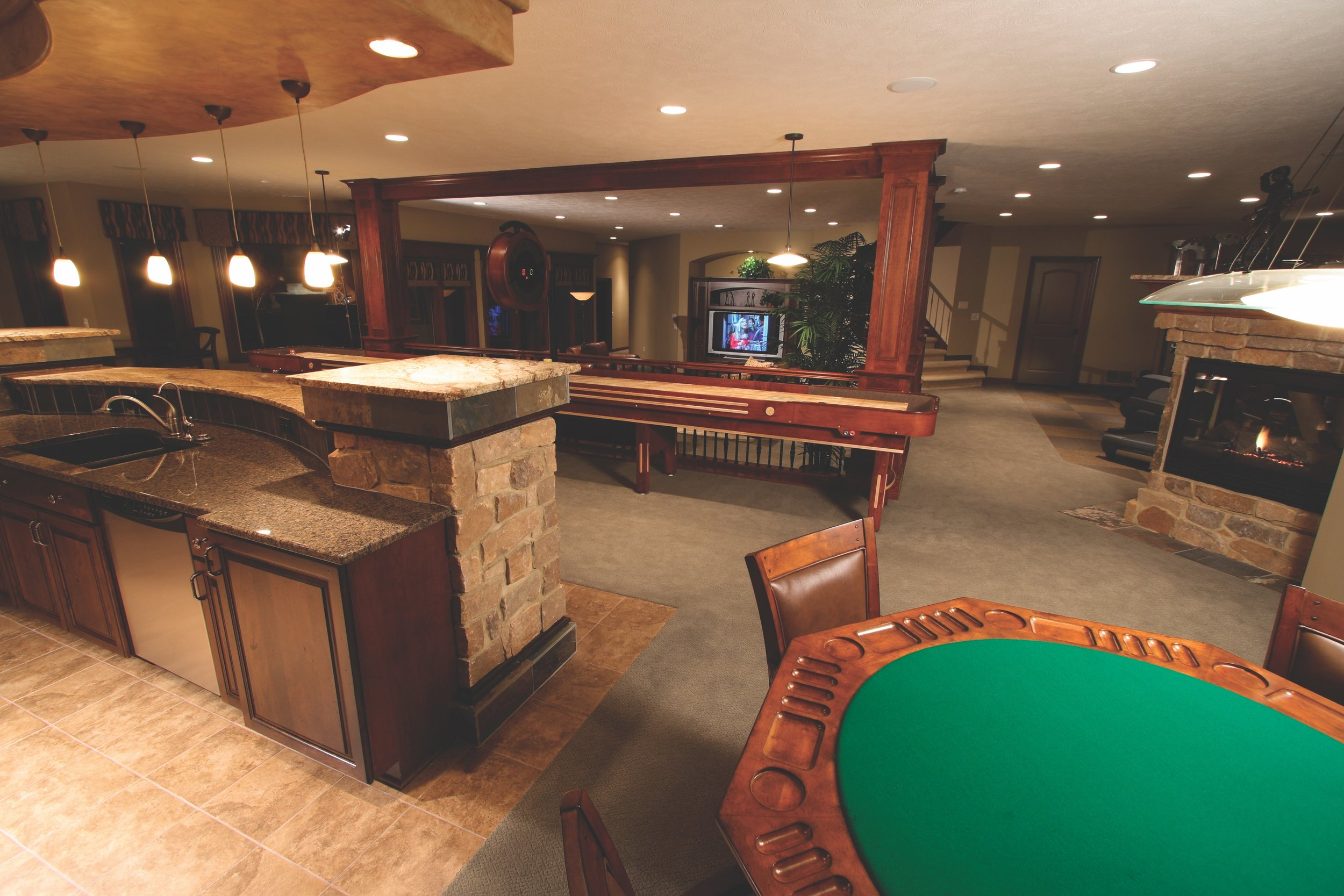 00014 Bar Looking Out to Family Room.jpg