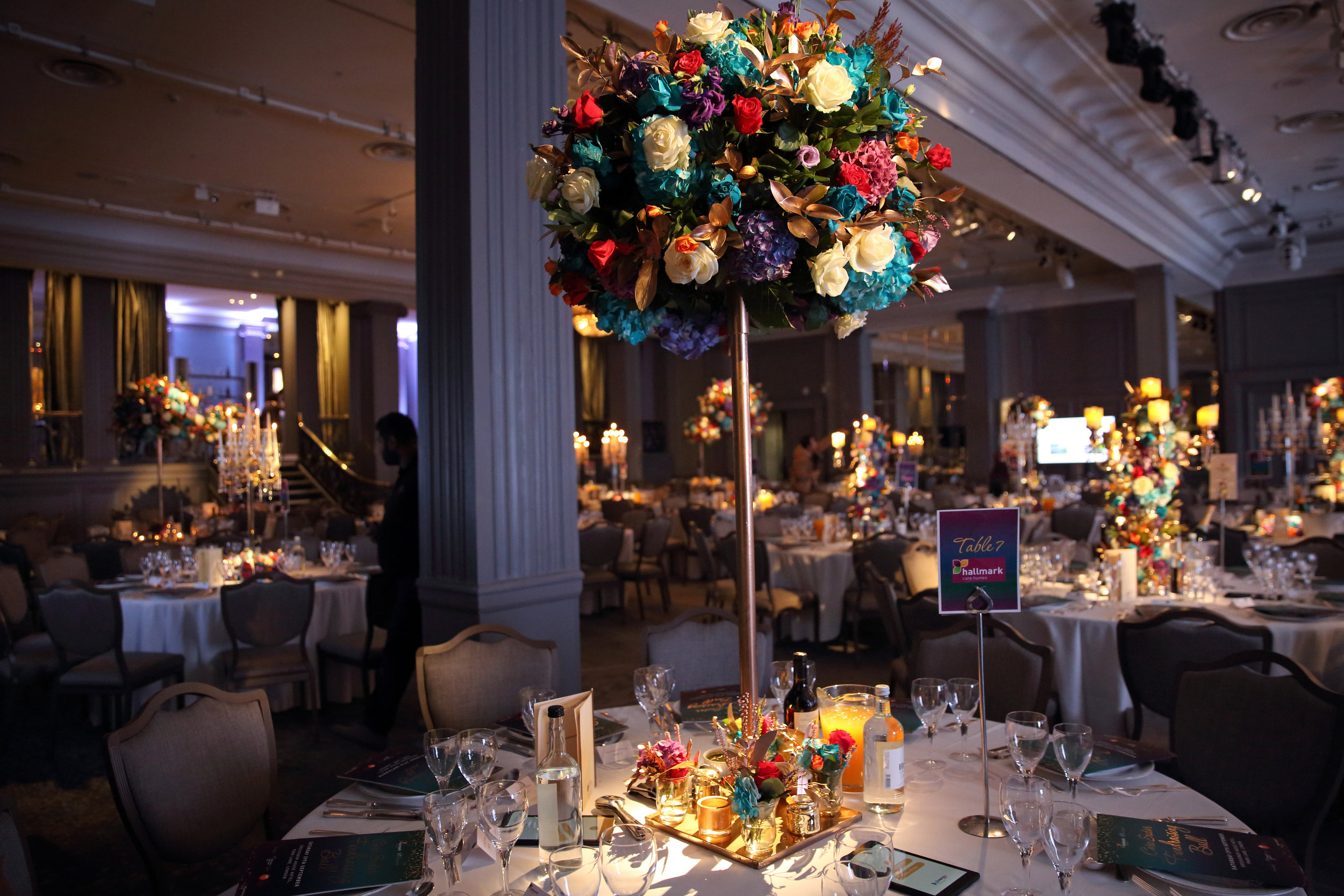 Wow-factor impact! - Visual impact upon entering the ballroom at London's Grosvenor House Hotel was a must.Our top of the class production and decor really helped deliver that.