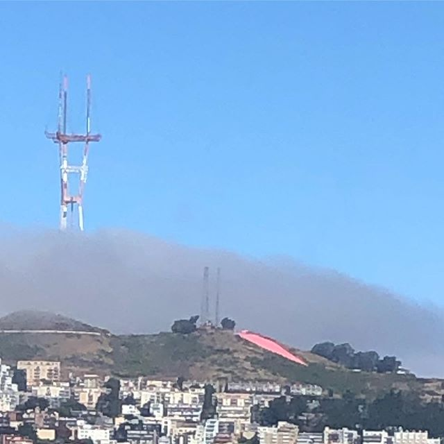 Happy #pinksaturday from #bernalheights ! 💕🌈💖🌸💗