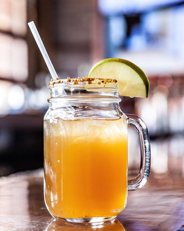 It's never too cold for a mixed drink on a #ThirstyThursday 🍹😉 #HOQ #HouseofQue #Foodie #Mixology #Cocktails #awesomesauce #Hoboken #HobokenNJ #HobokenNoJokin #WeehawkenNJ #WeeHawken #BeerTowers #NJ #NewJersey #HobokenRestaurant #mixeddrink