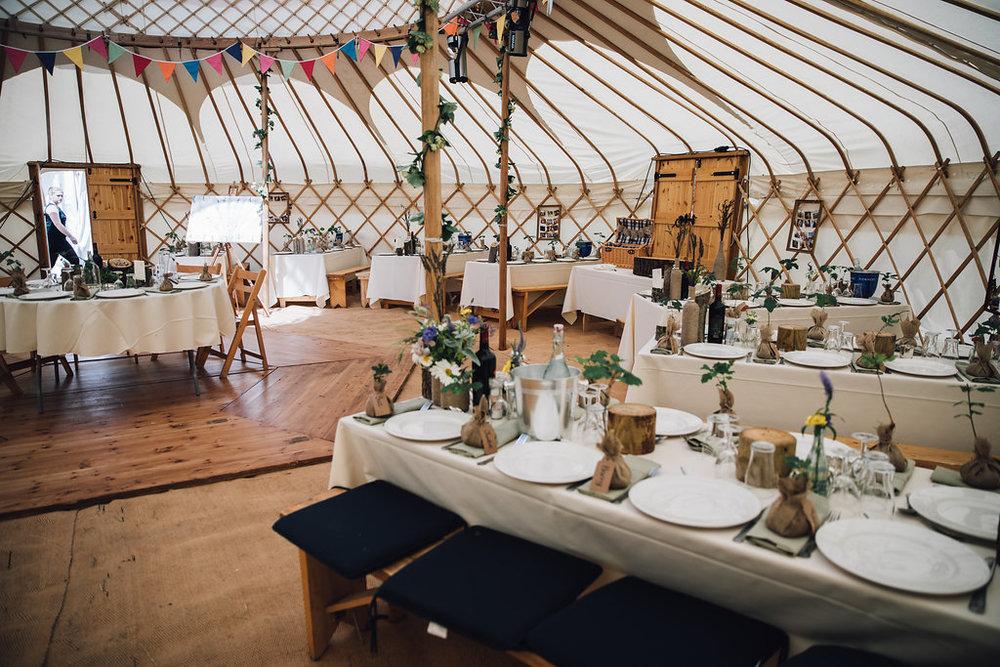 yurt-interior-fiesta-fields-4.jpg