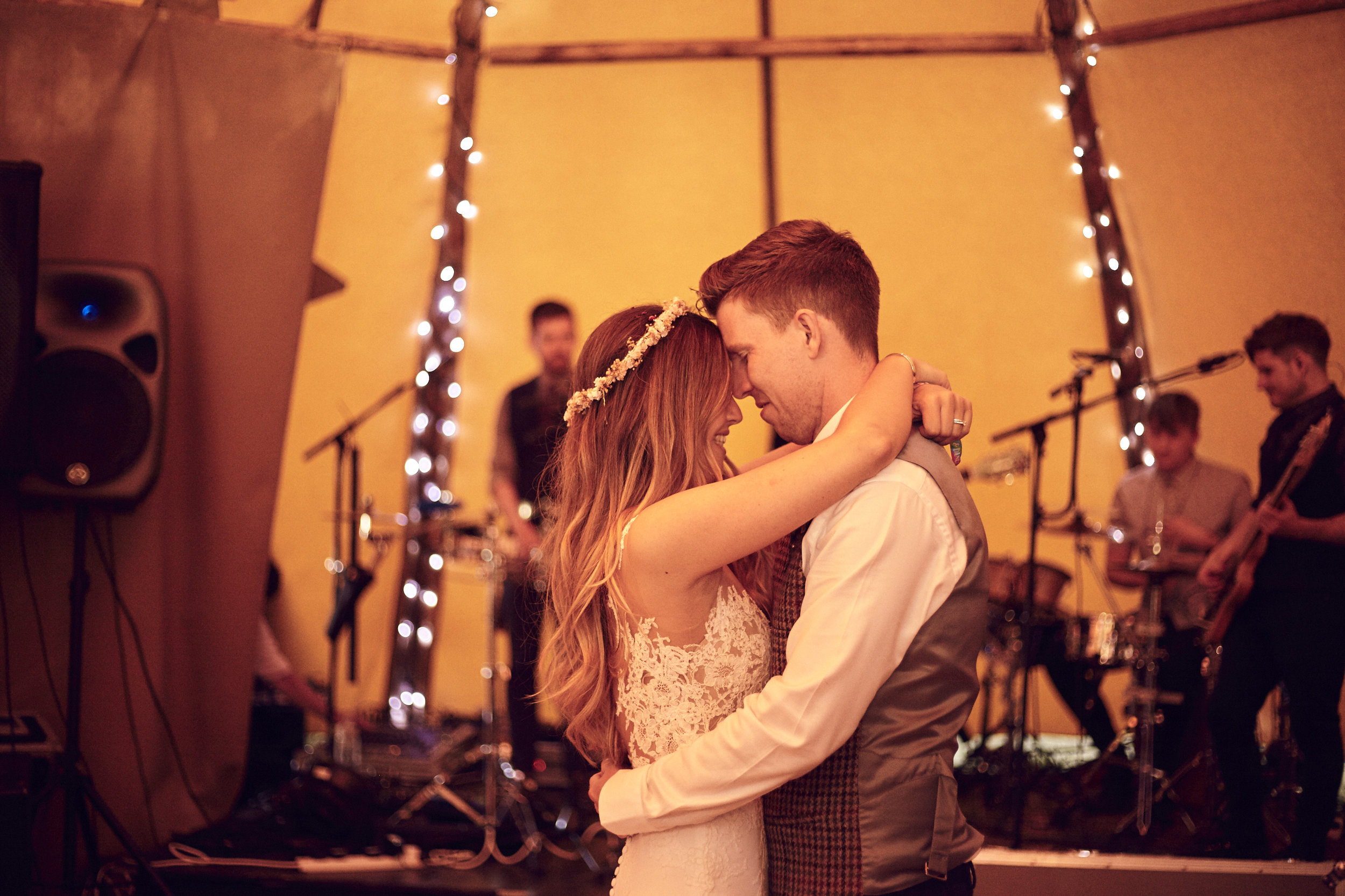 Laura&Kev's_Wedding_Party_Night_2858.jpg