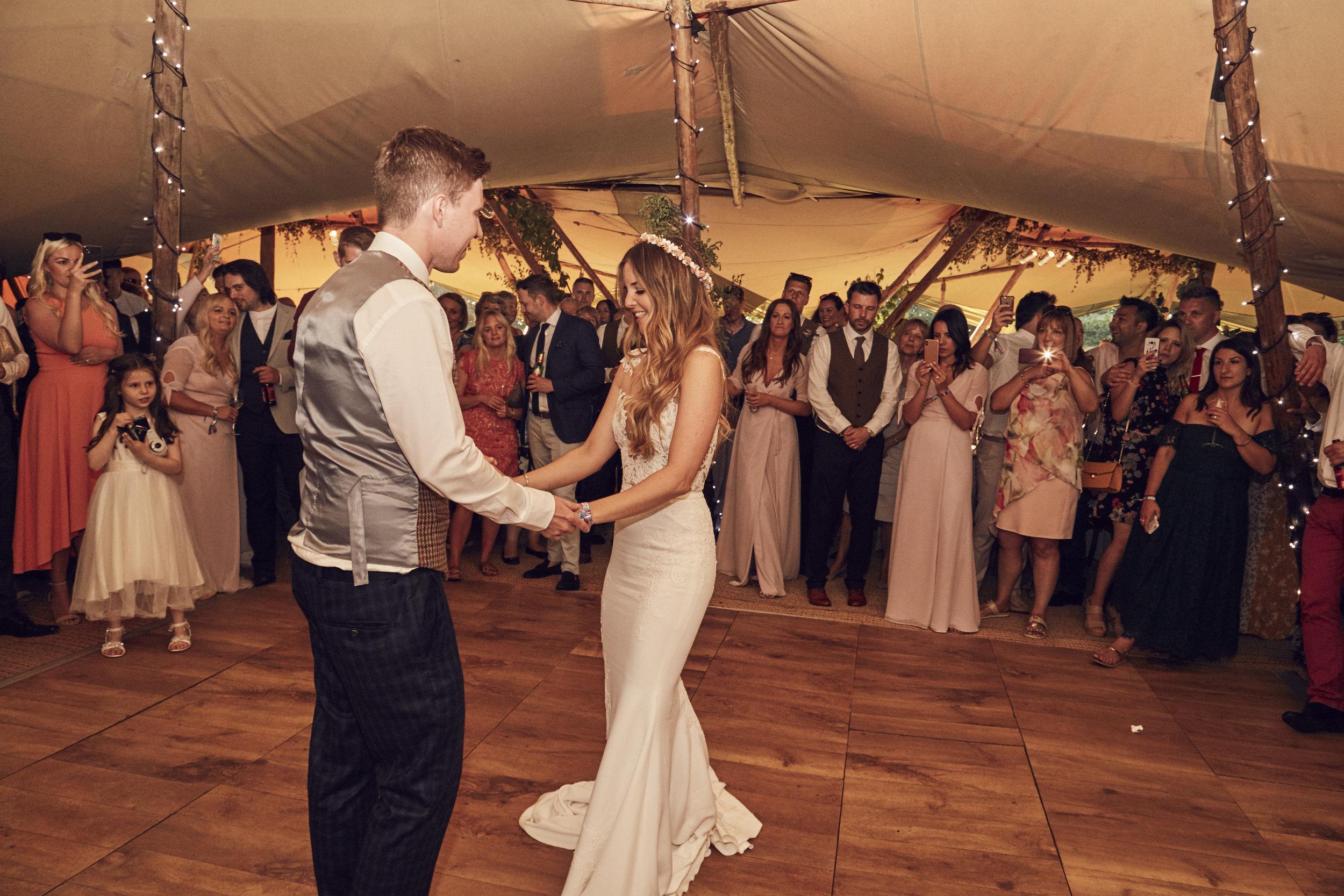 Laura&Kev's_Wedding_Party_Night_2903.jpg