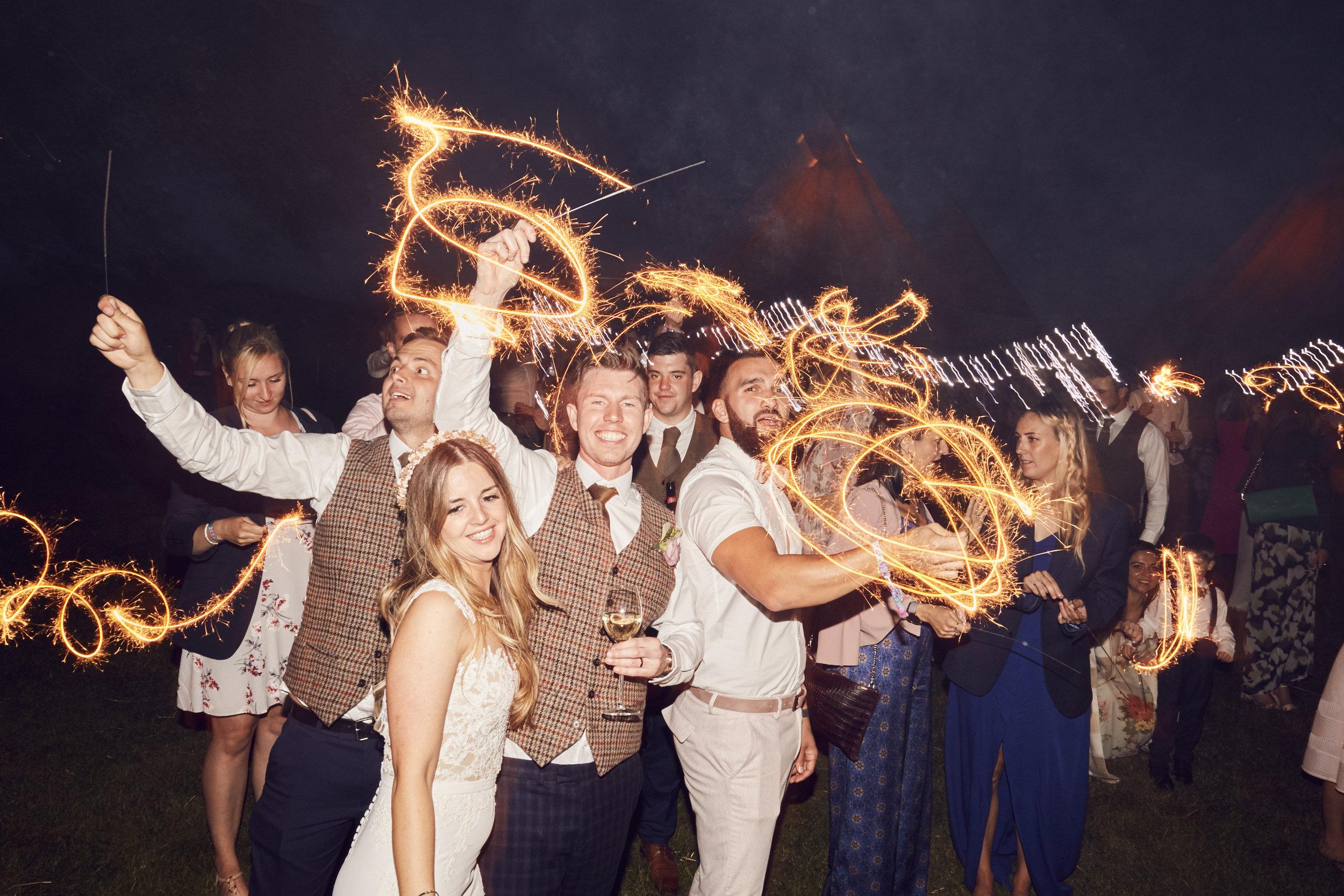Laura&Kev's_Wedding_Party_Night_3071.jpg