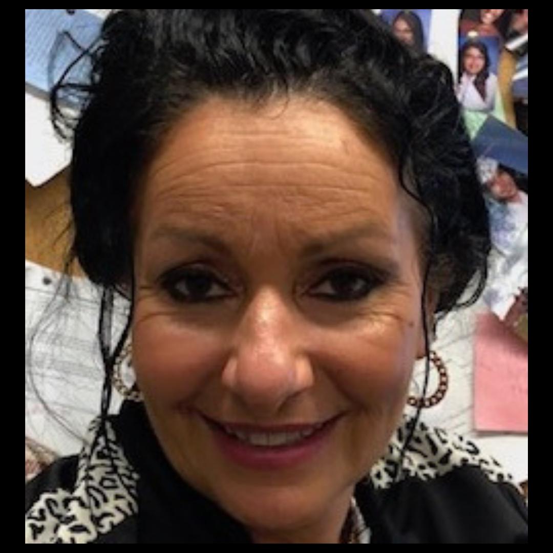 Suzy Goumba  //  Teacher