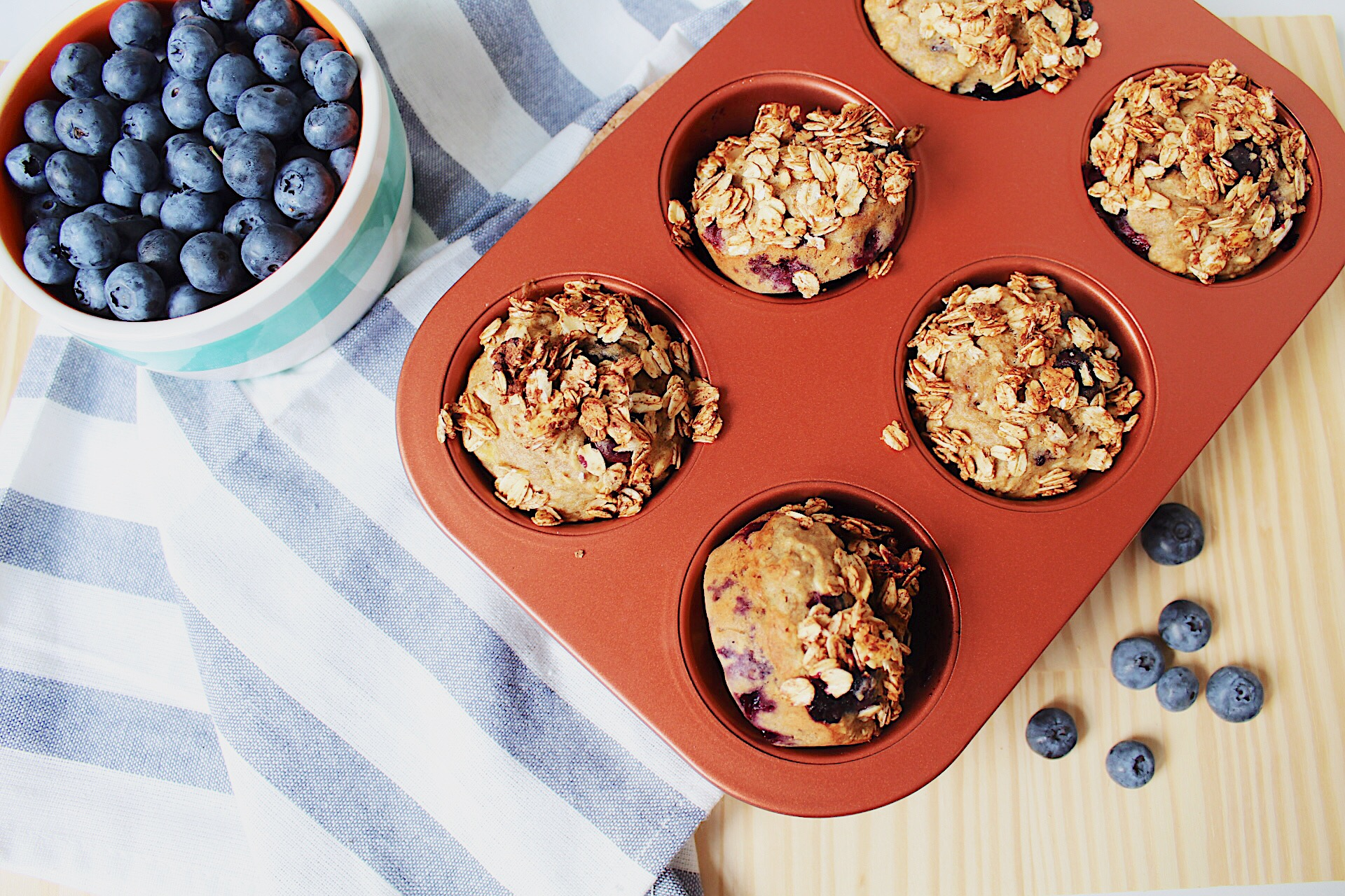 blueberry muffin8.JPG