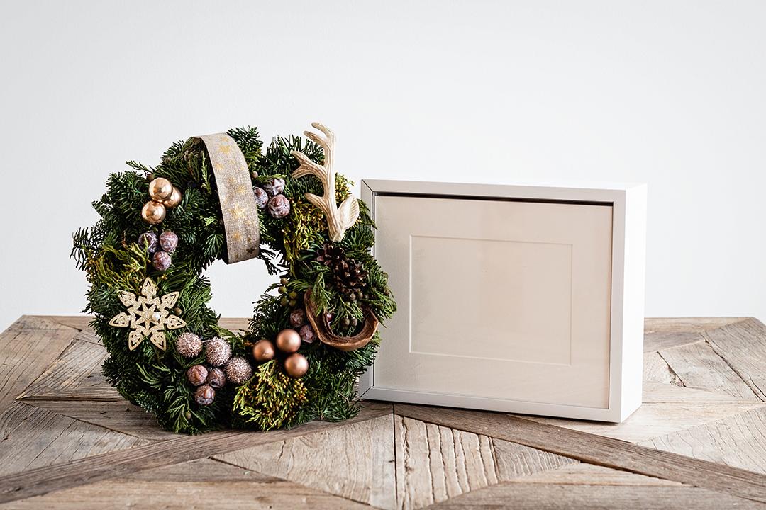 Box 4 - Dit is naar mijn mening een prachtige item voor newborn sessies. Een box waarin je 20 fine art prints in passe-partouts kan bewaren. De Showcase is handgemaakt van massief eikenhout, in twee verschillende afwerkingen, de klassieke