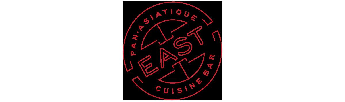 - Le restaurant East sert une cuisine pan-asiatique dans un décor moderne et éclectique rappelant l'époque effervescente du vieux Shanghai.