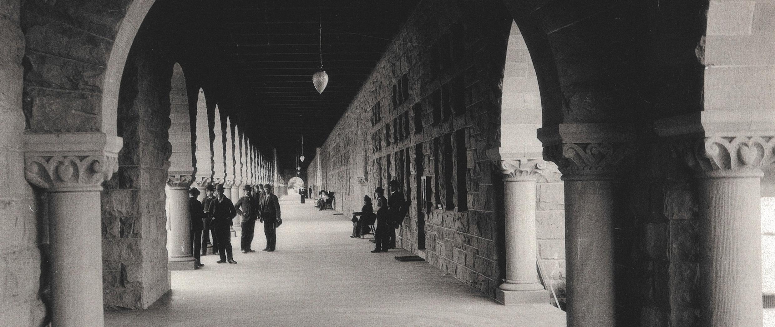 Margo Davis, Roxanne Nilan. The Stanford album: a photographic history, 1885-1945