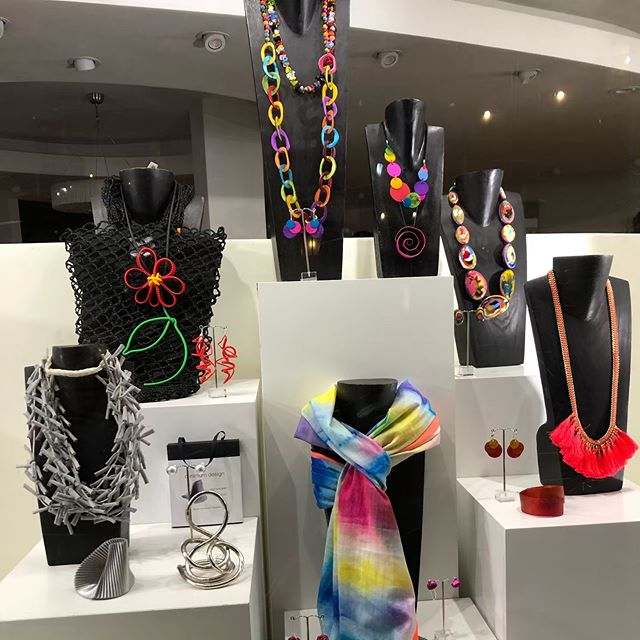 Look 👀 at this beautiful display of colourful and unique accessories in Sahara on Swinegate (york). How about these for a statement piece? 🌈🖤 . . . . . @sahara_london #yorkuk #personalstylist #rainbow #statementpiece #unique #accessories #outfitinspiration #personalshopper #imageconsultant #swinegate #instagood