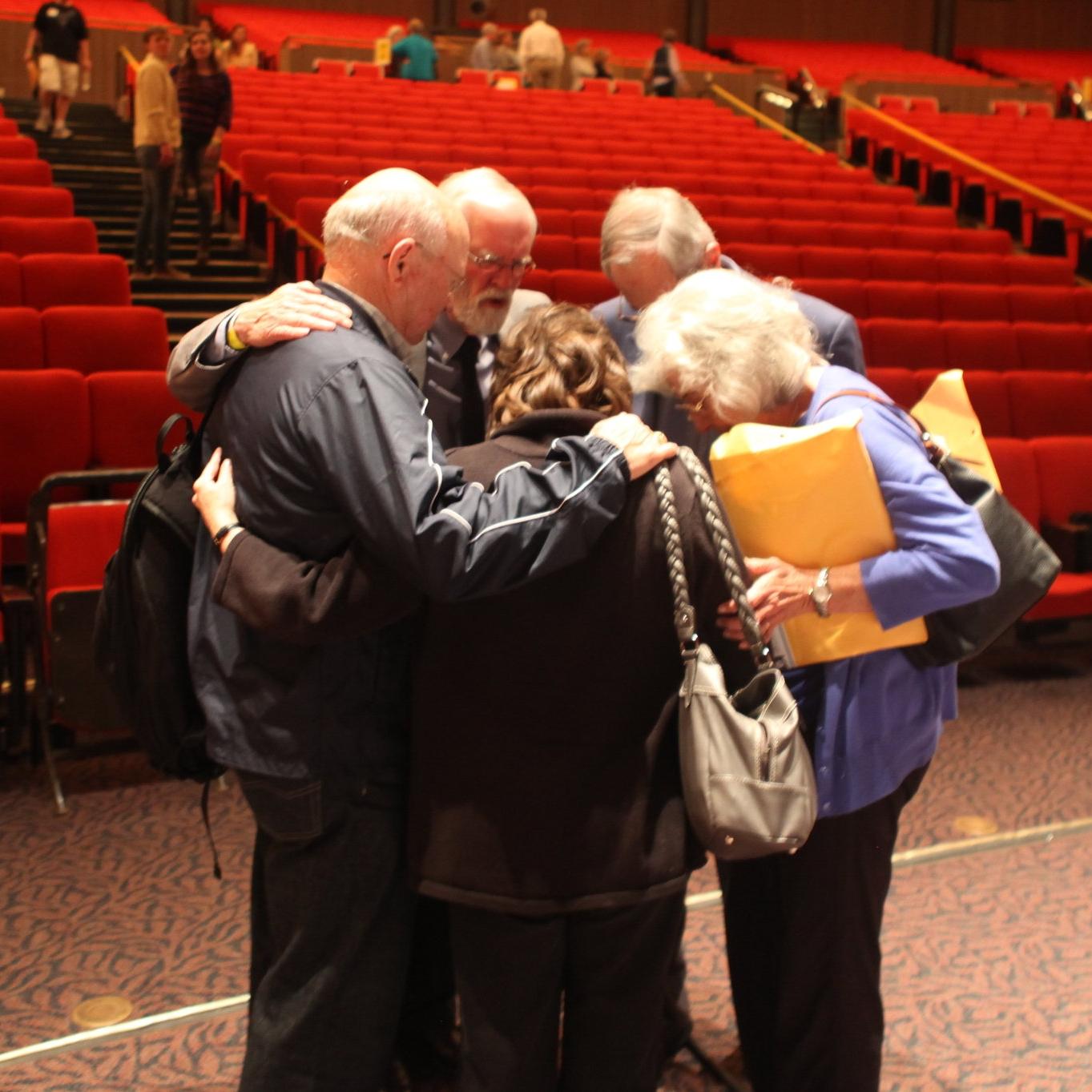 Lyle Dorsett Praying.JPG