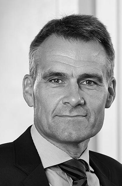 Henrik Hansen , (b 1965) Managing Director, Viborg Business Council  Board member since: 01/10/11 Reelected 08/02/18