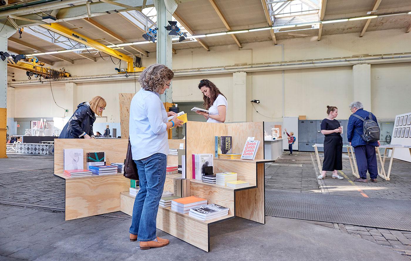 Design Biennale Zürich 2017, Nomadic Book Store, Lars Muller Publishers (Foto: Luca Zanier)