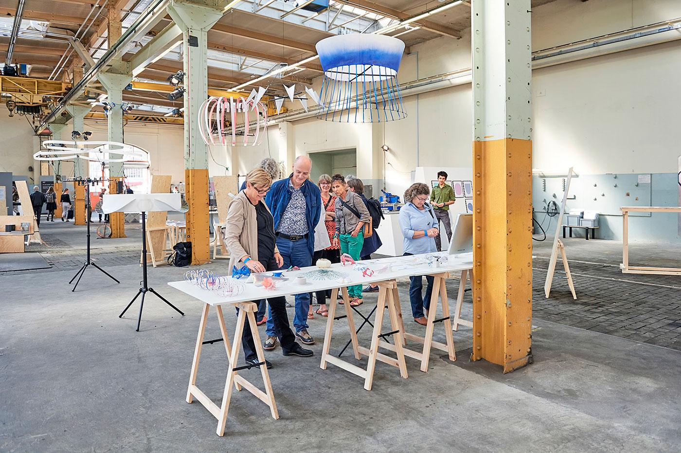 Design Biennale Zürich 2017, Drone Costumes, Lea Pereyre (Foto: Luca Zanier)