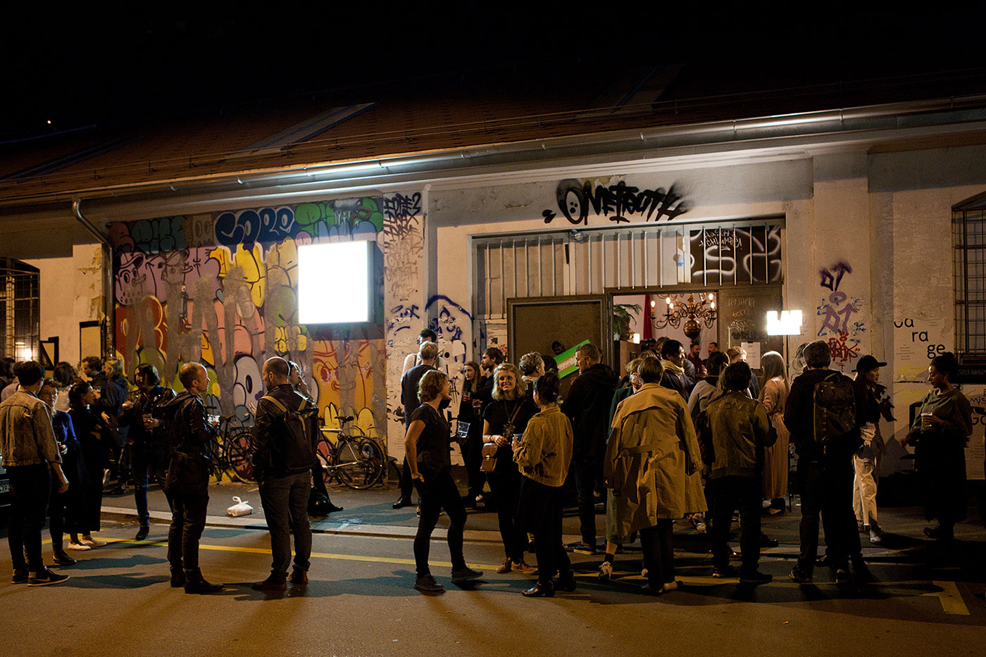 Design Biennale Zürich 2017, Designers Party, Amboss Garage (Foto: Lukas Beyeler)