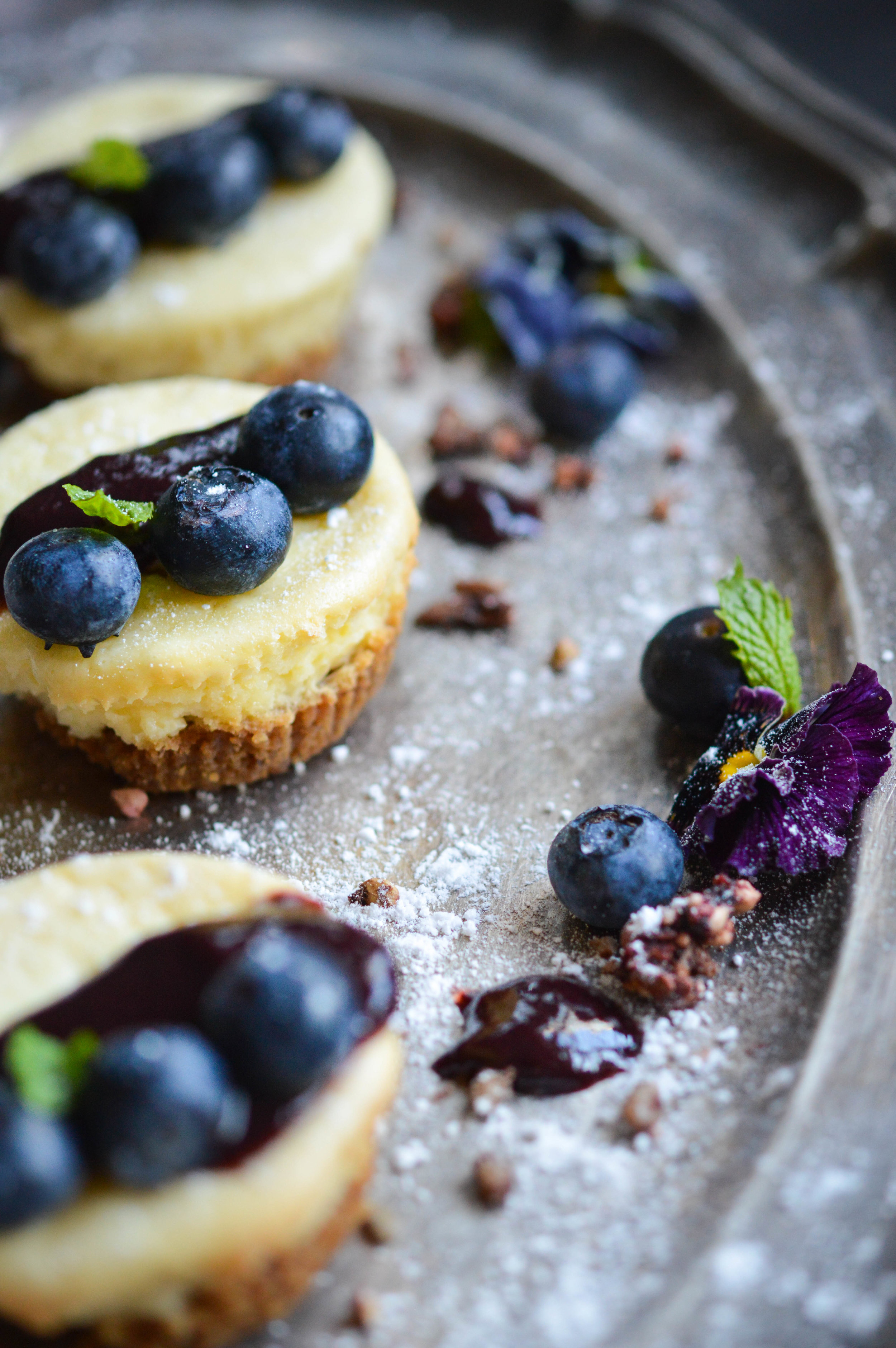 Small baked cheesecakes