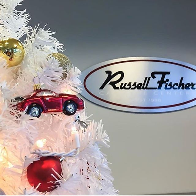 Happy Holidays and Merry Christmas from #RussellFischer 🎄