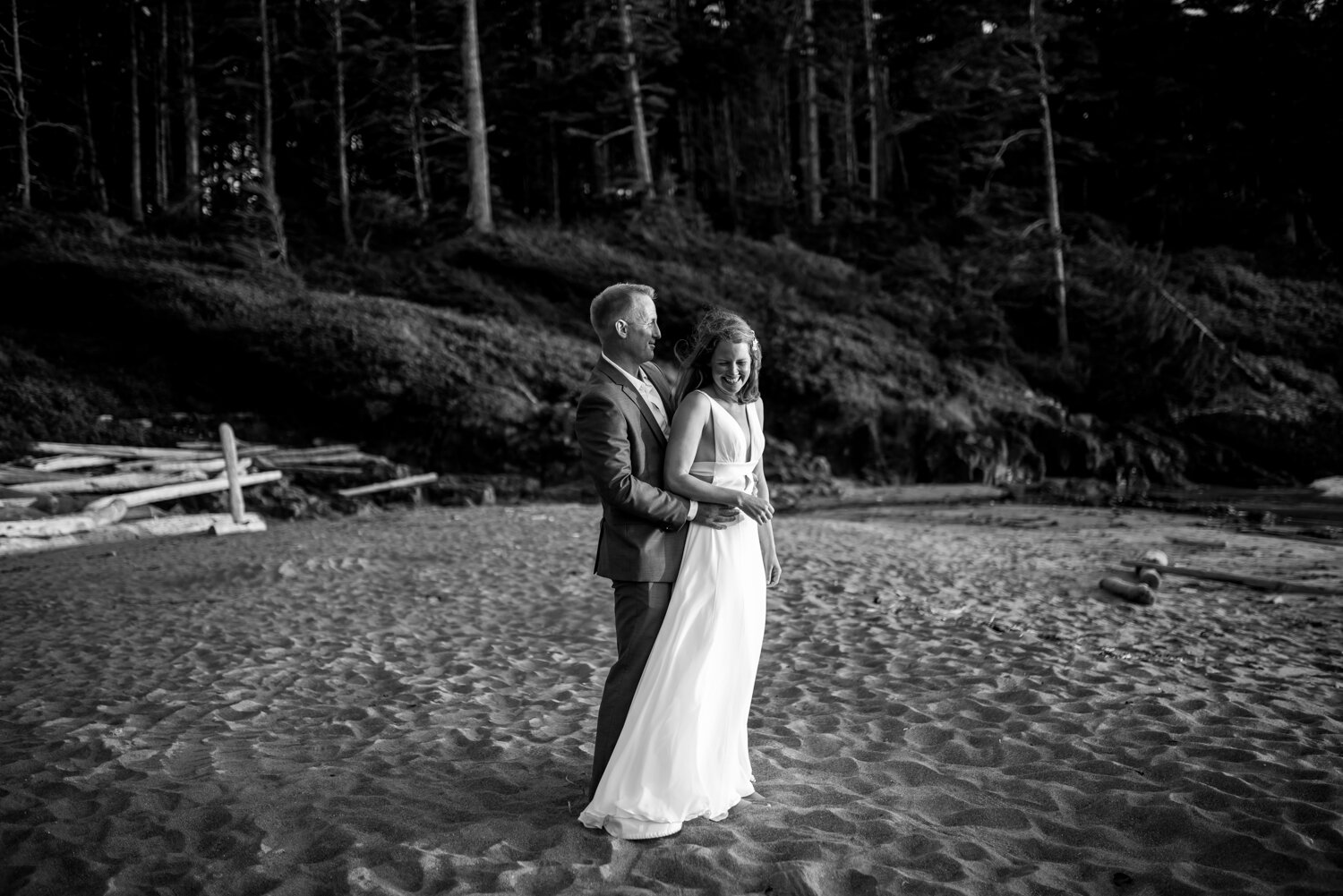 Ucluelet-Wya-Point-Wedding-Owen-Imaging-58.jpg