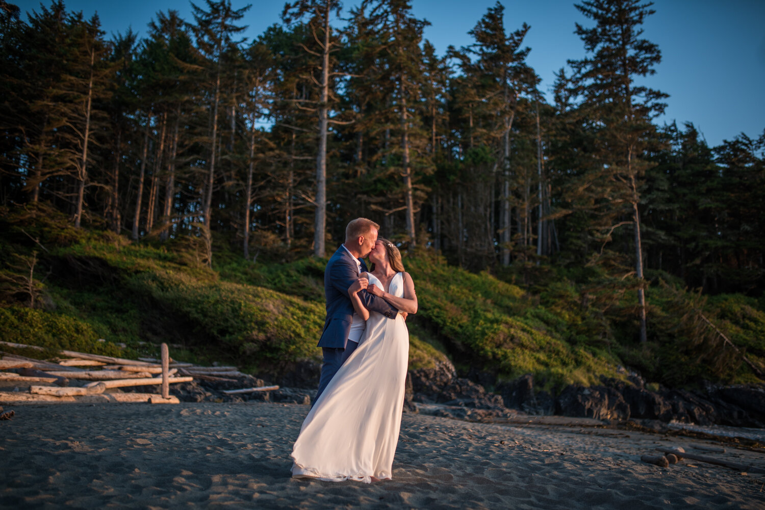 Ucluelet-Wya-Point-Wedding-Owen-Imaging-59.jpg