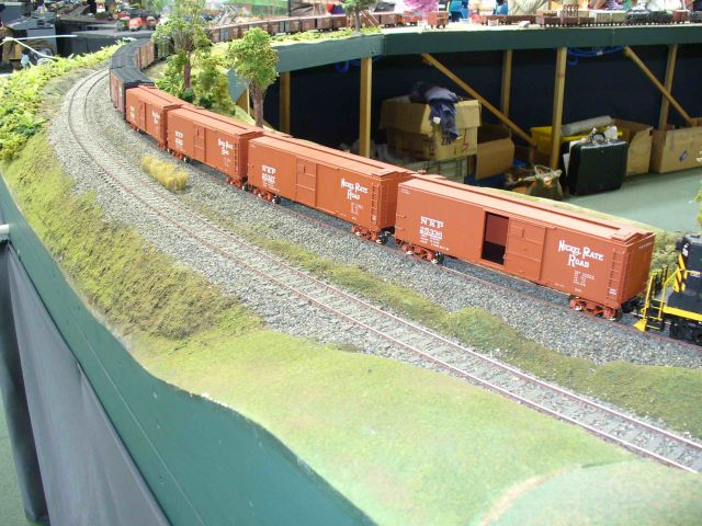 Railex 08 Vaughn and Canter Boxcars.jpg