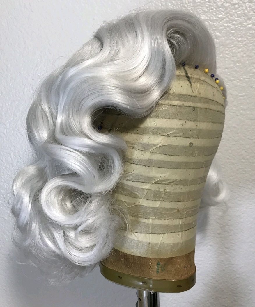 Vintage 40's Style Waves