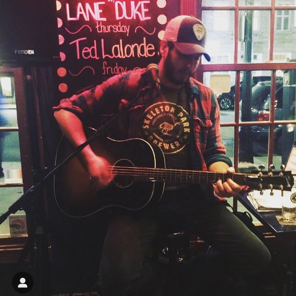 Best T-shirt, of the best beer, in the best place to play, for the best folks! ————————————————————— #classiccountry #outlawcountry #outlaw #gibsonacoustic #music #independentartist #song #staytuned #guitars #country #rock #eastcoast #novascotia #ontario #countrymusic #original #originalmusic #singer #songwriter #singersongwriter #guitarplayer #skeletonpark #kingston #beer