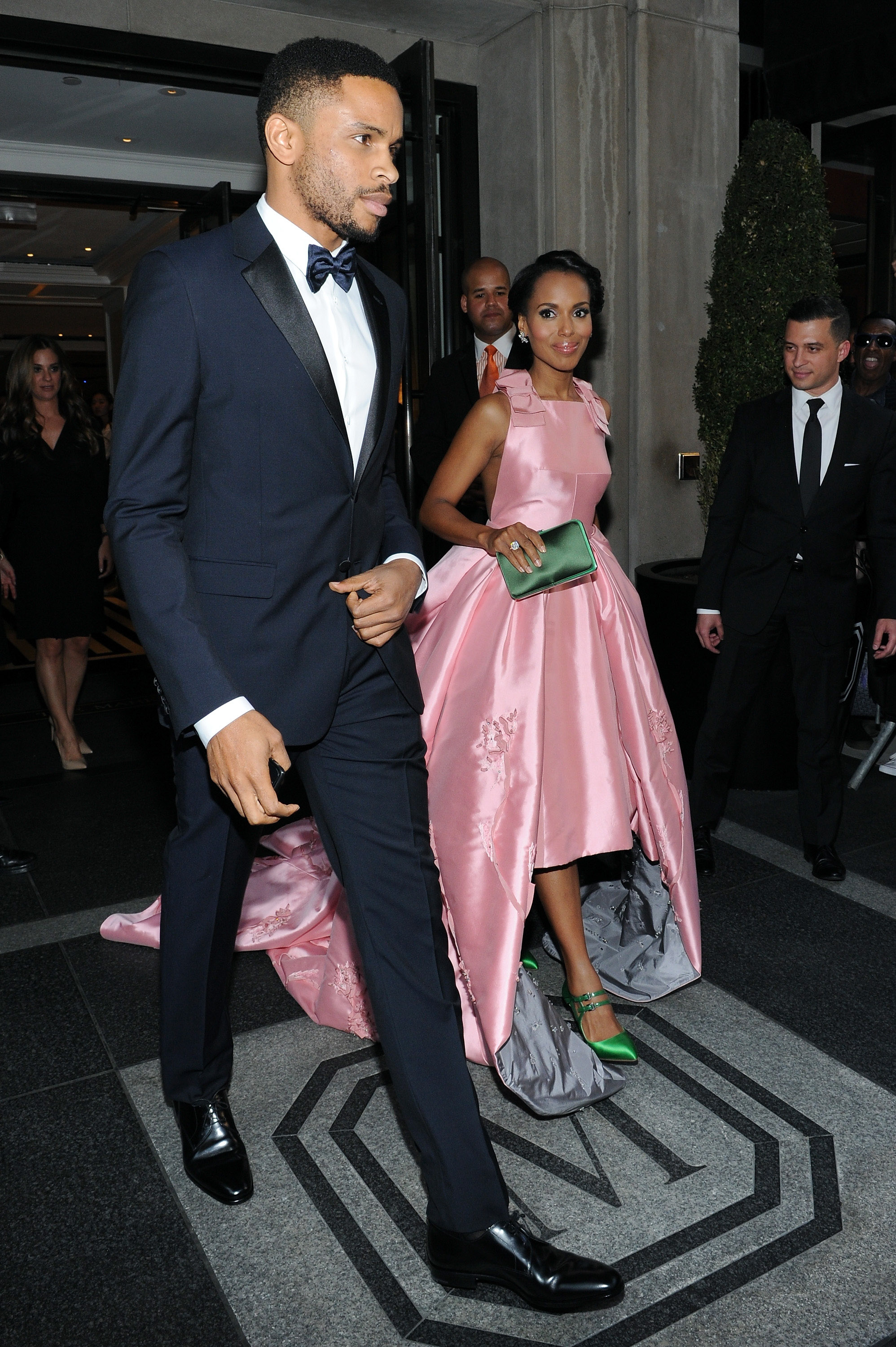 18. Kerry Washington - Age: 42Husband: Nnamdi Asomugha, 37Age Difference: 5 yearsYears Together: 7Kids: 2