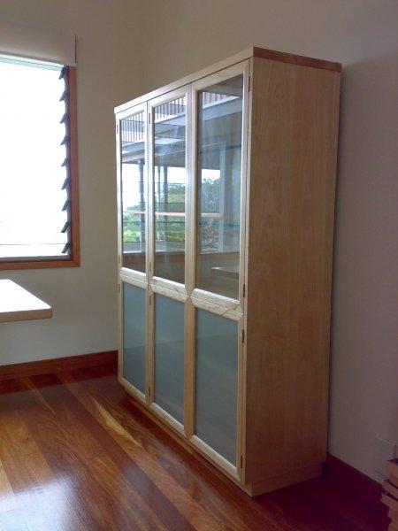 2-qld-silver-ash-display-and-storage-unit.jpg