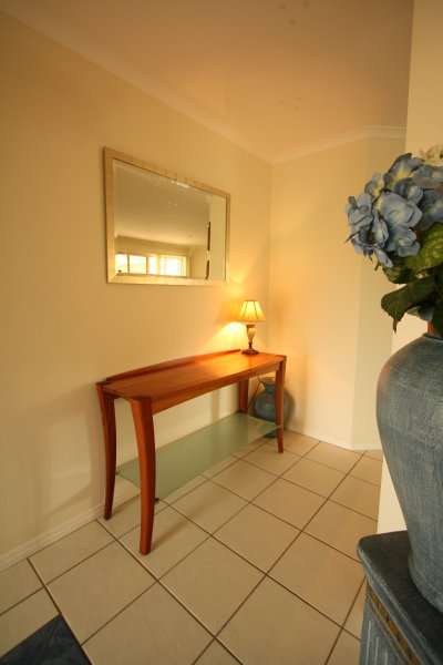 5-blackwood-entrance-table-with-frosted-glass-shelf.jpg