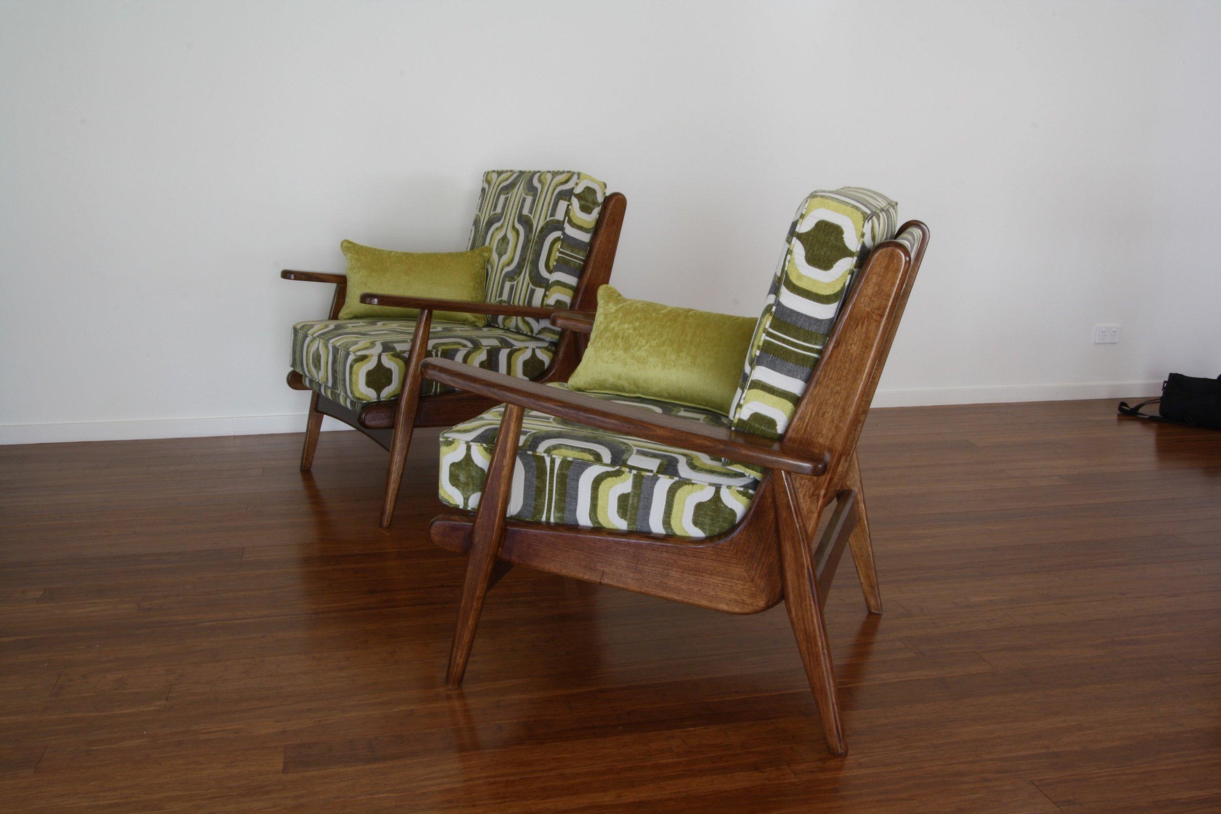 single_chairs_upholstered_.JPG