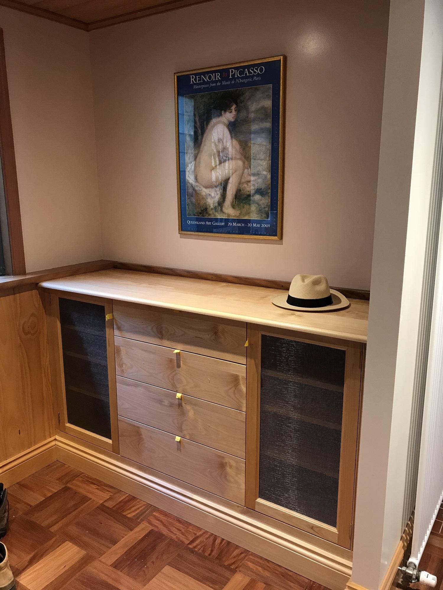 bookcase hoop pine.jpg