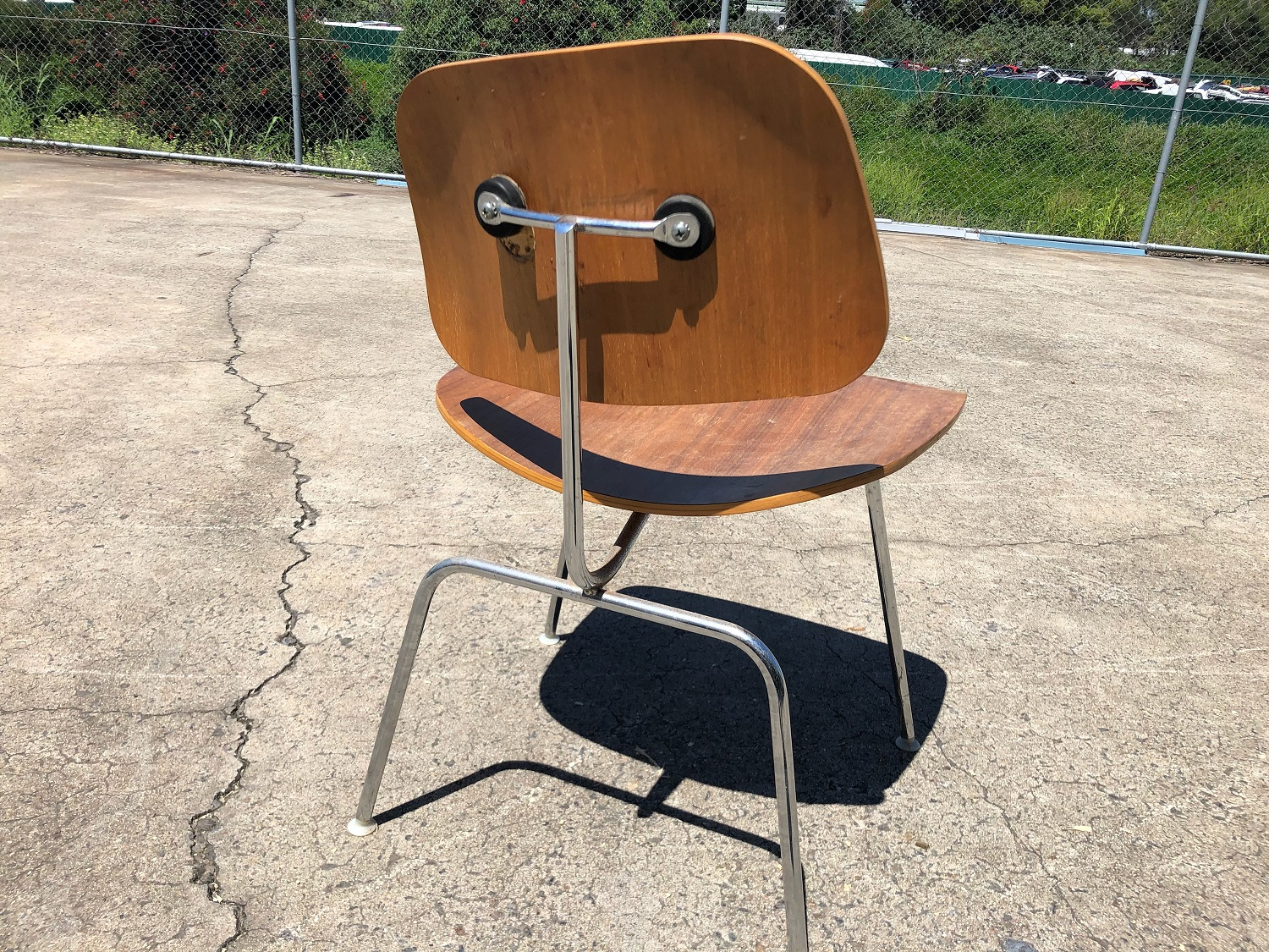 Eames chairs are not meant to look like this