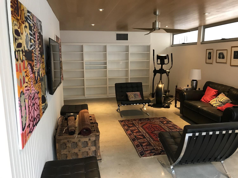 built in bookcase.JPG