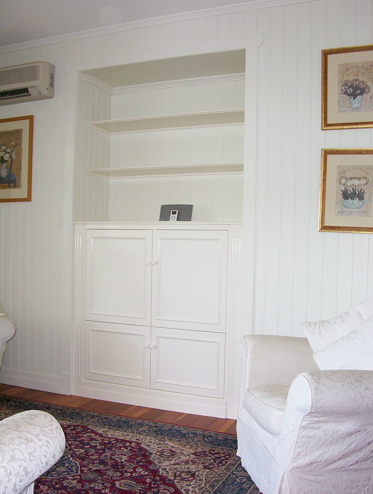 A perfect blank canvas to add art pieces, treasured books, special photos and mementos