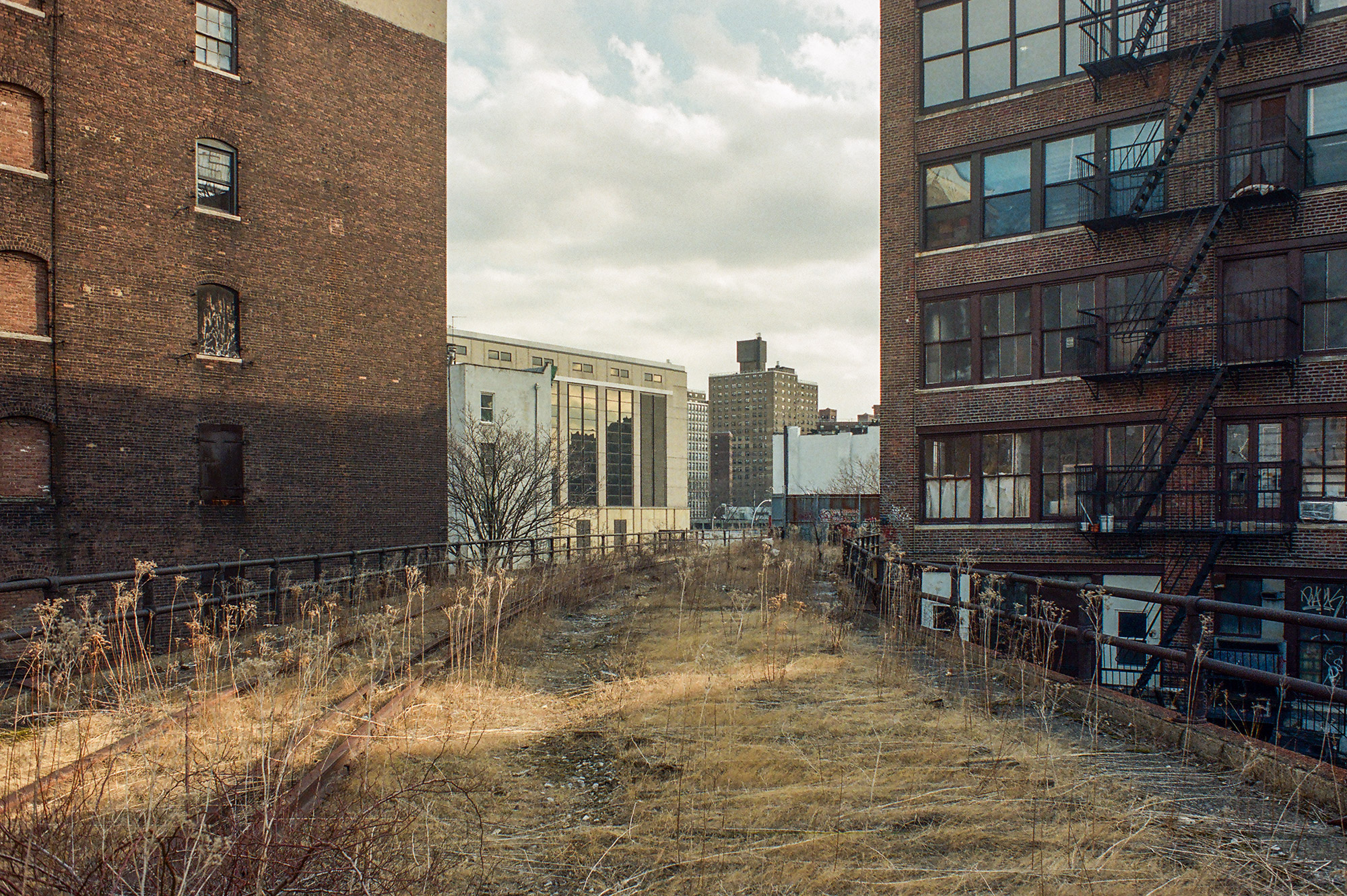 High-Line-looking-SE-02-2001.jpg