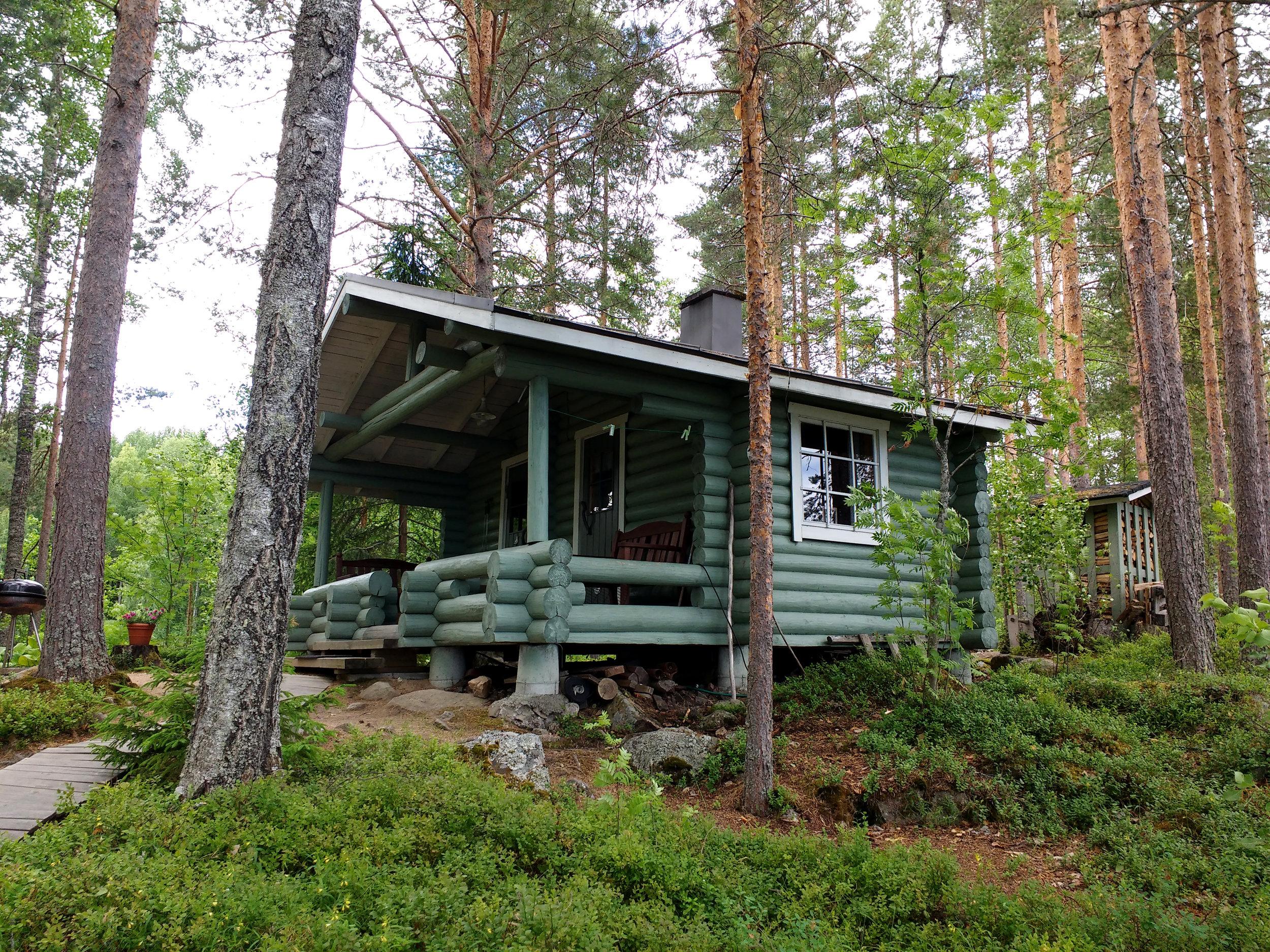 Pääskynpesä_saunarakennus.jpg