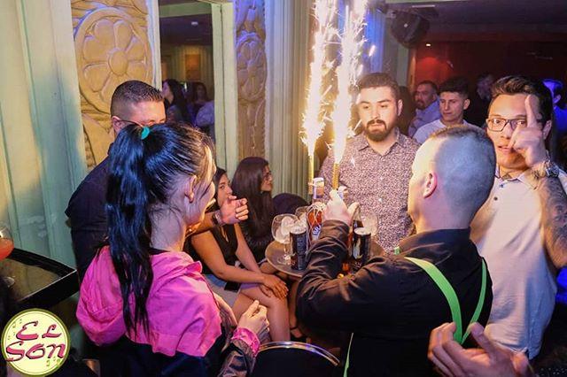 Celebraciones especiales cada noche en El Son. ¿La próxima será la tuya? 🎉🎉🎉🎉